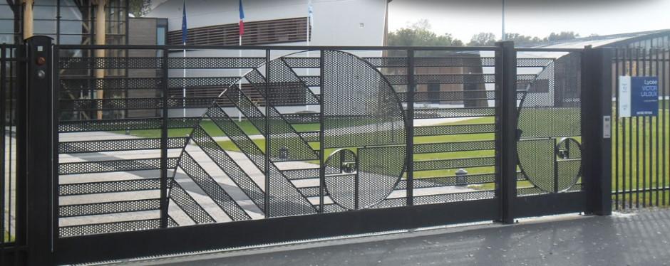 Doitrand l 39 innovation portes et portails for Porte garage doitrand